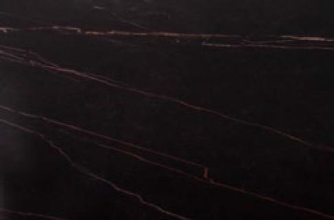ciemny marmur